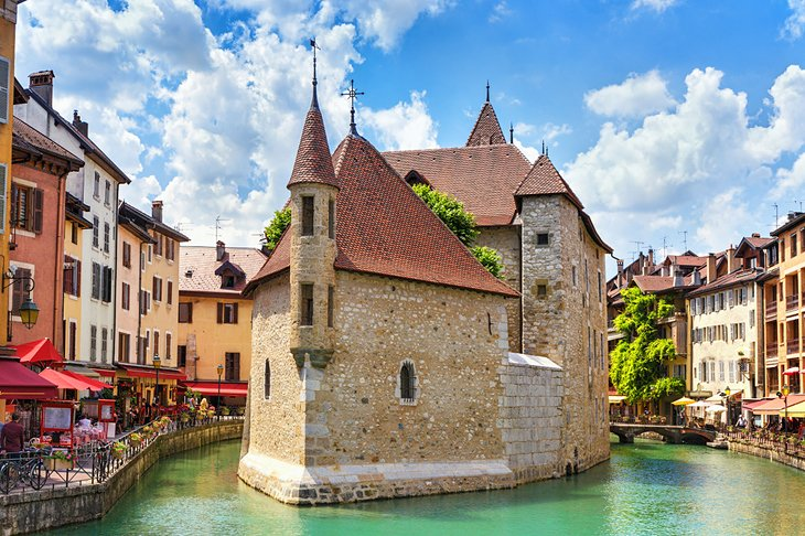 france-annecy-top-attractions-palais-de-iile